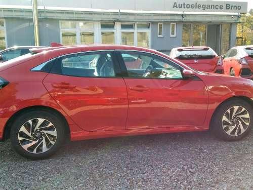 Honda Civic 1,0 Turbo Comfort již od 419 900 Kč s DPH