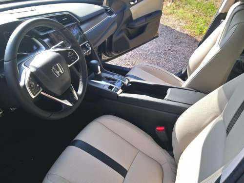 Honda Civic 1,0 VTEC Turbo AT Executive Navi