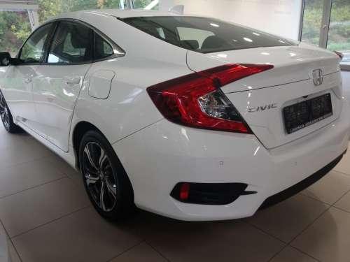 Honda Civic 1,5 T Elegance MT sedan 2020