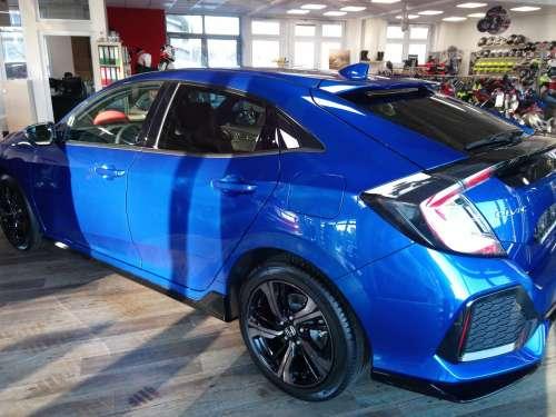 Honda Civic 1,5 VTEC Sport Navi